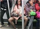 妹子請把你分開的絲襪雙腿合上