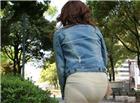 女士丁字内裤放卫生巾