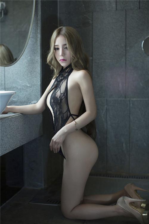 美女三点一线无遮挡 健康全裸游泳图片