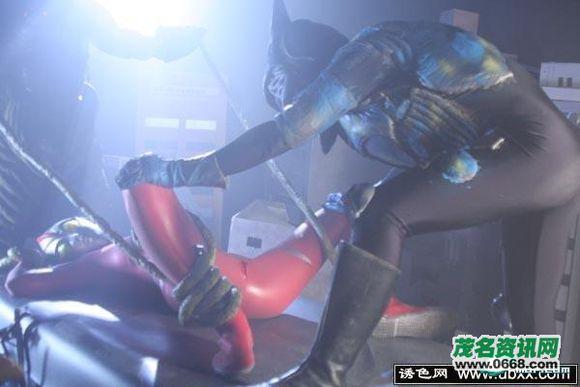 奥特曼莉莉卡_3d女奥特曼生体实验图 莉莉卡最强的敌人(6)_邪恶gif - 图解吧