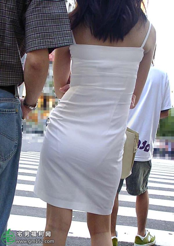 夏天内衣搞笑图 妹子身体乳图片