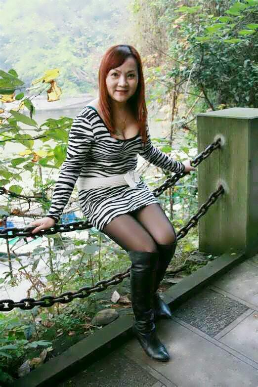 南昌熟肉妇女贴吧图片:中年女人喜欢小鲜肉(3)(点击浏览下一张趣图)