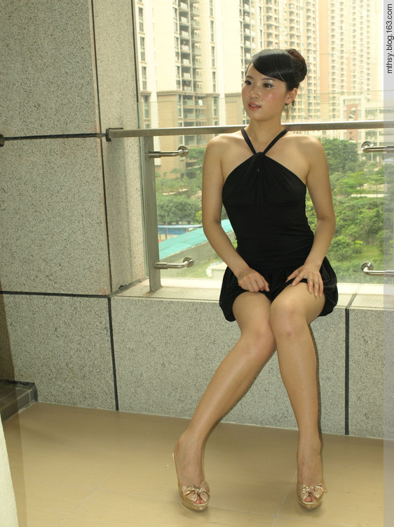 同事老婆晒的内裤图:都来晒一晒老婆的文胸(3)(点击浏览下一张趣图)