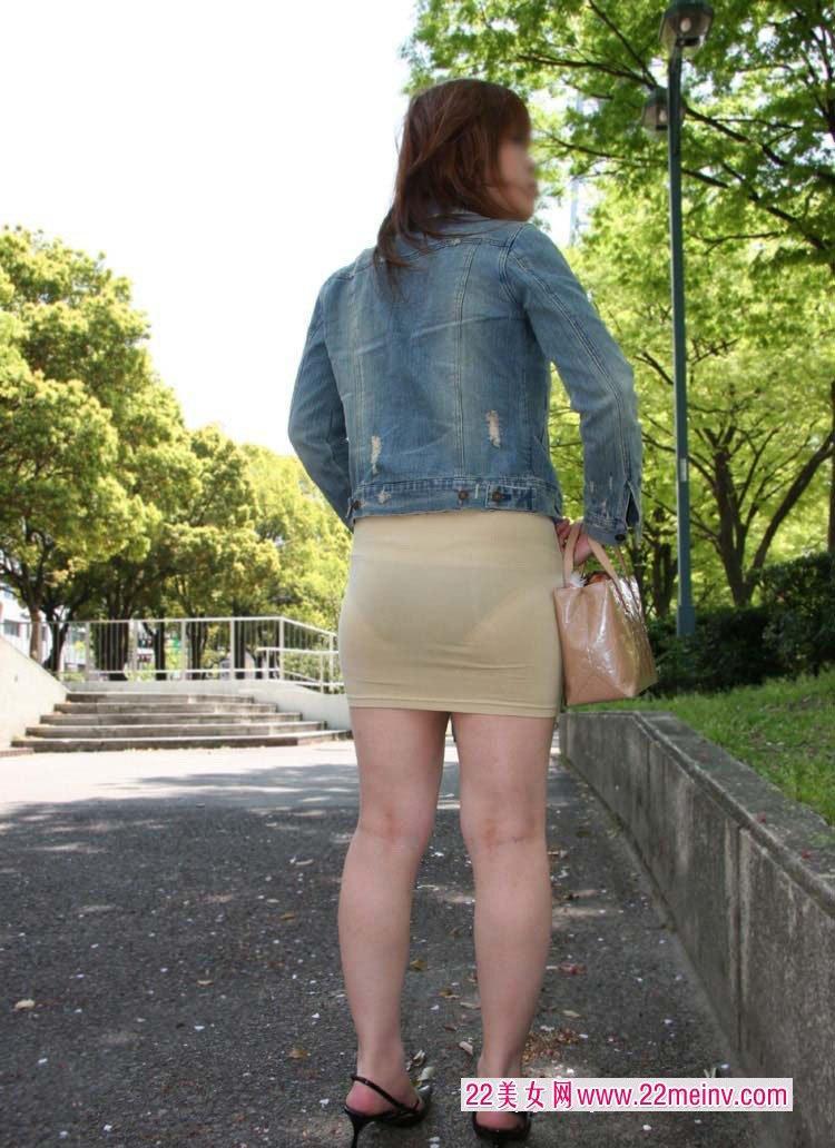 透明内裤可以看到B毛 蕾丝透明看得到毛(点击浏览下一张趣图)